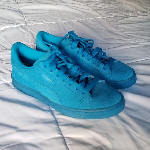 turquoise puma shoes